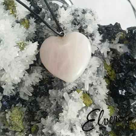 Pandantiv inimioara din cuart roz