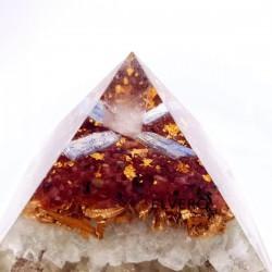 Piramidă orgon din turmalină roz, fluorină, kyanit, foiță de aur 24K
