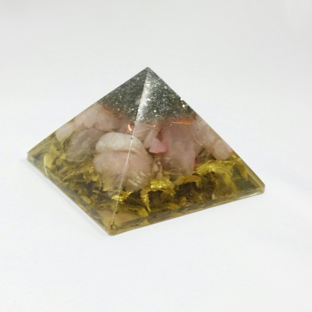 Piramida cu pirita, cuart roz, cupru si bronz